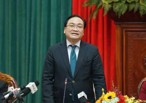 Bí thư Hà Nội Hoàng Trung Hải phát biểu tại buổi gặp gỡ báo chí.