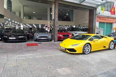 Được biết cả 3 mẫu xe này đều   được một đại gia trong ngành địa ốc ở Sài Gòn ký gửi để