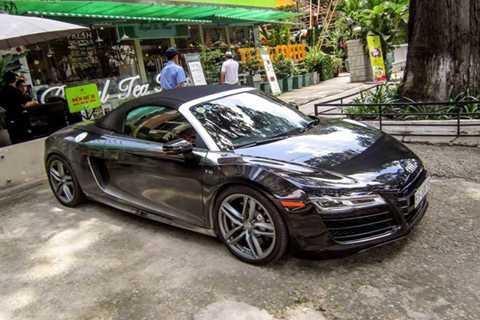 Đây là chiếc Audi R8 V10 mui trần đầu   tiên tại Việt Nam được đăng ký biển số chính thức, và cũng là chiếc duy   nhất thuộc phiên bản nâng cấp giữa vòng đời năm 2013 của dòng xe này.