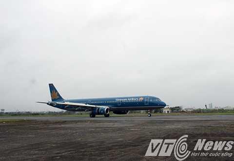 Hàng loạt chuyến bay tại Sân bay Cát Bi bị hủy do thời tiết xấu - Ảnh MK