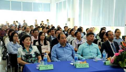 Vinamilk đã vinh dự được đón tiếp đoàn gồm 73 tham tán thương mại, công sứ Việt Nam tại các nước đến thăm siêu nhà máy sữa Việt Nam của Vinamilk tại Bình Dương