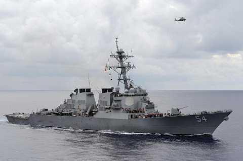 Tàu khu trục USS Curtis Wilbur của Mỹ đã đi vào khu vực 12 hải lý quanh các đảo nhân tạo Trung Quốc xây ở Trường Sa hồi tháng Giêng vừa qua.