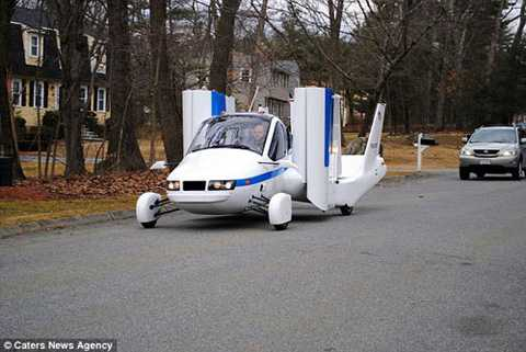 Transition tầm khoảng 261.000   USD khi giảm giá và người điều khiển vừa phải có bằng phi công thể thao   lẫn bằng lái xe hơi - Ảnh: Terrafugia