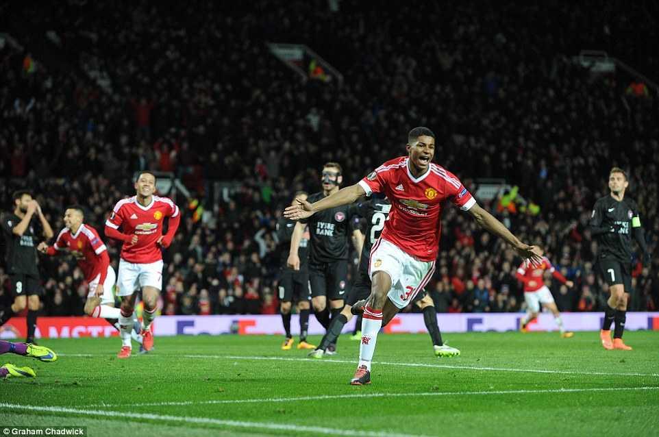 Lần đầu tiên ra sân trong màu áo đội 1 Man Utd, Marcus Rashford đã ghi được cú đúp bàn thắng