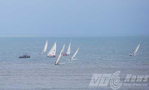 Các đội trình diễn tại biển Non Nước trước khi chính thức rời Đà Nẵng