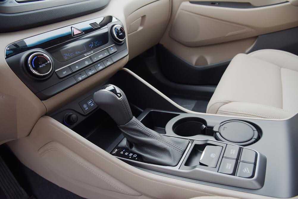 Tucson sở hữu chức năng Drive Mode và Phanh tay điện tử - Tính năng thường thấy ở những mẫu xe hạng sang