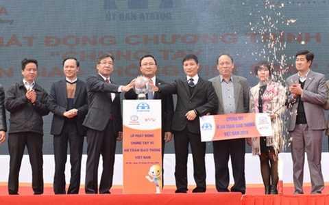 Lãnh đạo Ủy ban ATGT Quốc gia, Công ty Toyota Việt Nam và Diễn đàn Otofun tham gia phát động chương trình truyền thông về ATGT