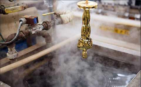 Viện Hàn lâm Khoa học và Nghệ thuật Điện   ảnh Mỹ (AMPAS) đã chọn hãng đúc mỹ nghệ Polich Tallix chế tác tượng vàng   Oscar 2016 cho lễ trao giải năm nay, thay cho Công ty R.S. Owens là đối   tác lâu năm.