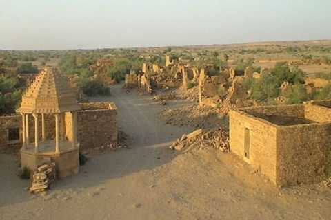 Thị trấn cổ Kuldhara 500 tuổi   từng là nơi sinh sống của 1.500 người. Tuy nhiên, thành phố này đã biến   mất bí ẩn chỉ sau một đêm.