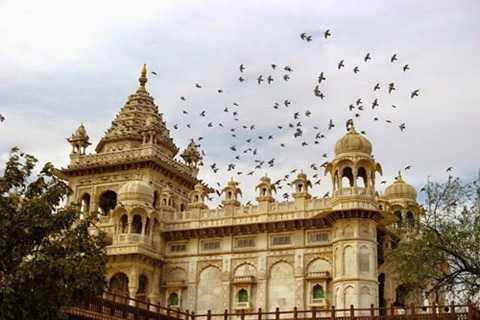 """Ngày 17/12/2012, một """"tiếng nổ siêu   thanh"""" Sonic Bomoe đã làm chấn động thành phố Jodhpur, Ấn Độ. Được biết,   một tiếng nổ siêu thanh như vậy chỉ được tạo ra khi có một chiếc máy   bay di chuyển với vận tốc siêu thanh. Tuy nhiên, quân đội Ấn Độ cho biết   họ không biết gì về nguyên nhân gây ra tiếng nổ như vậy bởi nó phát ra ở   khu vực đông dân cư."""