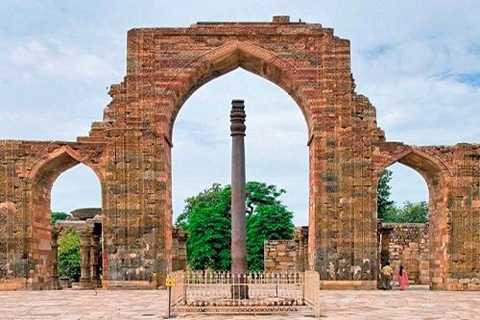 Cây cột sắt Delhi cao 7,21 mét   trở thành một trong những bí ẩn lớn nhất của nhân loại bởi nó tồn tại   hàng nghìn năm mà không bị gỉ sét.