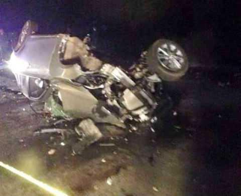 Cả 2 chiếc ô tô trong vụ tai nạn đều bị hư hỏng nặng .