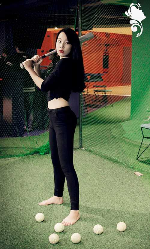 Lê Lan Hương (Thông tin Đối ngoại K34) là thí sinh ghi được nhiều ấn tượng với những bước nhảy đầy tự tin, cuốn hút trong phần thi Miss Thể thao.