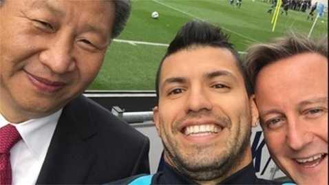 Bức ảnh selfie nổi tiếng của Chủ tịch Tập Cận Bình bên Thủ tướng Anh Cameron và ngôi sao Aguero