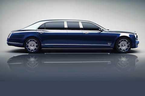 Dựa trên phiên bản Mulsanne 2017 mới nhất, Mulsanne Grand Limousine sở hữu thiết kế tương tự với phần đầu hoàn toàn mới.