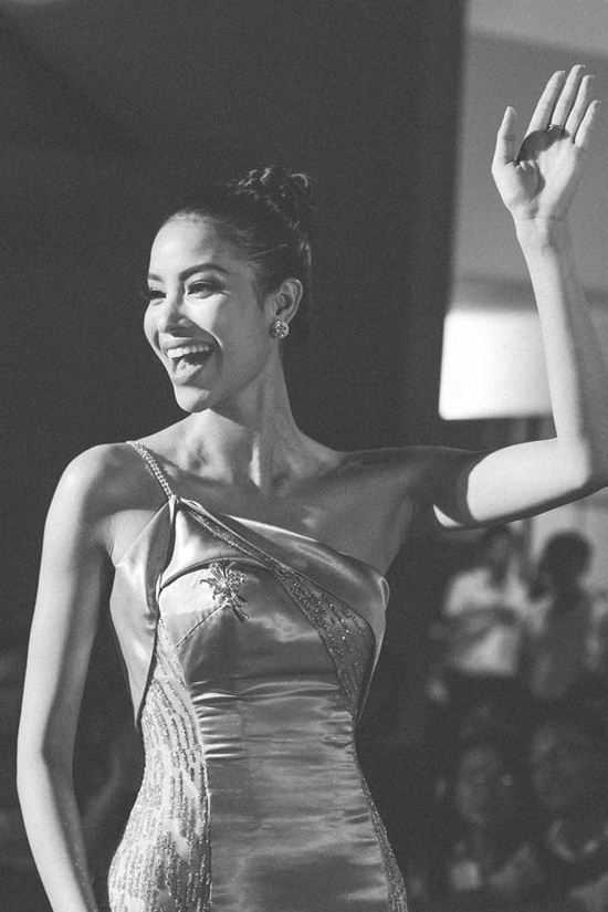 Phạm Hương có sức hút mạnh mẽ từ sau cuộc thi Hoa hậu Hoàn vũ.