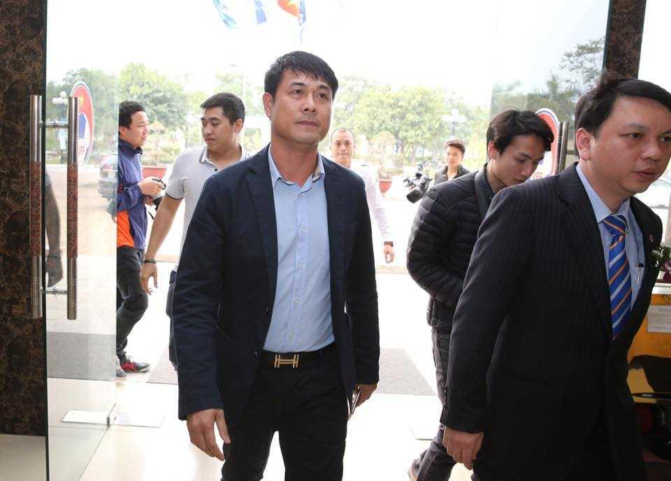 HLV Hữu Thắng đến VFF (Ảnh: Quang Minh)