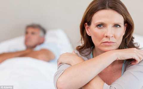 Không chỉ nam giới, phụ nữ cũng bị ảnh hưởng bởi suy giảm sinh dục. Ảnh Daily Mail