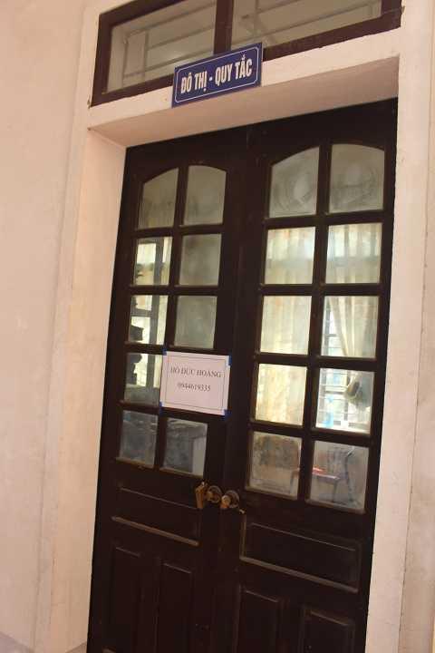 Phòng đô thị quy tắc UBND phường Hưng Phúc cửa khóa trái khi chưa hết giờ làm việc