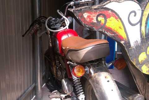 Chiếc xe máy từ vụ tai nạn đã bị công an xã Thạch Bình bán cho người dân