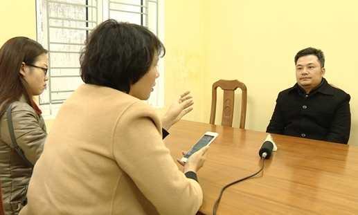 Ông chủ Liên Kết Việt Lê Xuân Giang trả lời phỏng vấn báo chí.