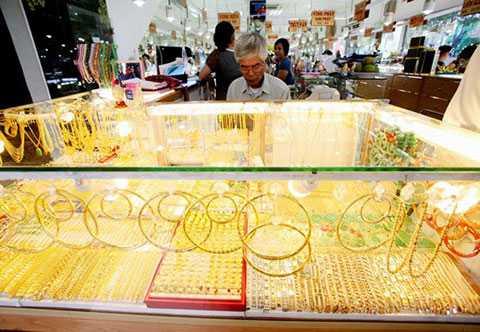 Giá vàng hôm nay 5/3 đã tìm lại mốc 34 triệu đồng/lượng ở chiều bán ra