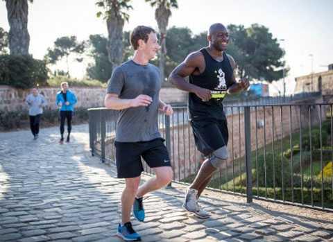 Mark chạy bộ buổi sáng khi tham gia triển lãm công nghệ tại Tây Ban Nha. Ảnh: Facebook.