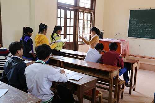 Nhiều học sinh ở vùng cao Quảng Trị bỏ học do không theo kịp chương trình. Ảnh: Hoàng Táo