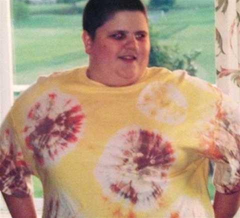 Tự   ti và trầm cảm với thân hình của mình, Austin càng giam cầm bản thân   trong phòng và suốt ngày chỉ nốc nước ngọt, snack, khoai tây chiên và   thức ăn nhanh. Đến một ngày, Austin bước lên cân và bàng hoàng phát hiện   số cân của mình đã vượt ngưỡng 147kg.