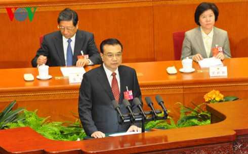 Thủ tướng Trung Quốc Lý Khắc Cường trình bày báo cáo công tác của Chính phủ