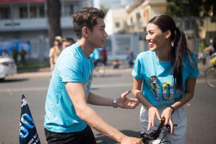 Đây là hoạt động ấn tượng nhằm khởi động dự án đạp xe qua nhiều quận huyện trên địa bàn thành phố của các tình nguyện viên.