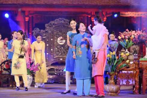 Sự trở lại của NSND Như Quỳnh gây bất ngờ cho nhiều người.