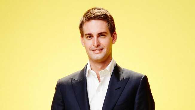 Evan Spiegel (25 tuổi - 2,1 tỷ USD) đến từ   thành phố Los Angeles (Mỹ) là người đồng sáng lập kiêm CEO của Snapchat -   ứng dụng nhắn tin hình ảnh và video tự hủy sau một thời gian nhất định.   9X từng theo học ngành Thiết kế sản phẩm tại Đại học danh tiếng   Stanford. Nhưng khi sắp tốt nghiệp, anh quyết định bỏ học để cùng bạn   thân - Bobby Murphy - tập trung phát triển Snapchat. Hiện tổng tài sản   của Spiegel lên tới 2,1 tỷ USD.