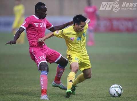 Trận derby Thủ đô kết thúc với tỷ số hòa 1-1 (Ảnh: Quang Minh)