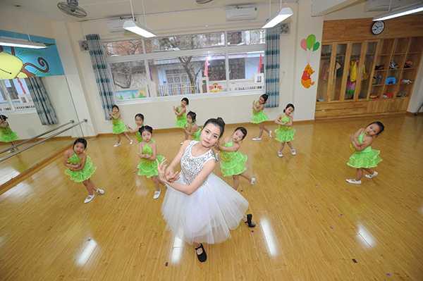 Học sinh học tại trường Thực nghiệm 3 Hà Nội có cơ hội thỏa sức khám phá, sáng tạo, phát triển bản thân.