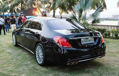 Mỗi chiếc RX 350 hiện có giá khoảng 3,35 tỷ đồng.