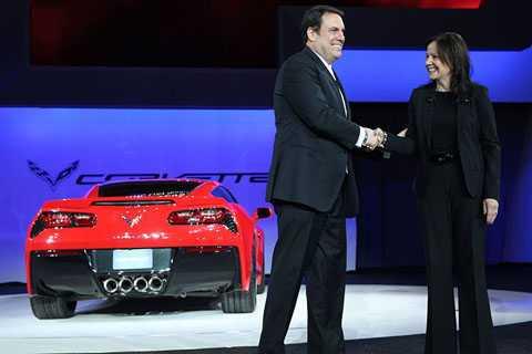 Mary Barra, người vừa giữ chức chủ tịch   GM xứng đáng là người phụ nữ quyền lực nhất trong ngành công nghiệp ôtô   thế giới. Thậm chí, tạp chí Fortune còn bầu chọn bà là người phụ nữ   quyền lực nhất trong kinh doanh vượt qua nhiều CEO phái mạnh nổi tiếng   khác.