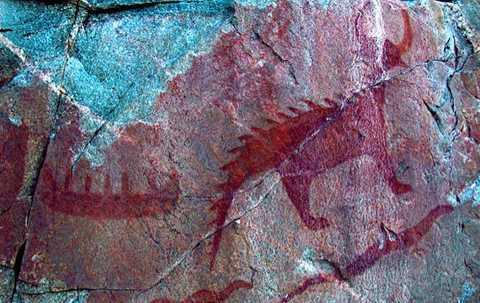 2. Quái vật Mishepishu, những người   Ojibwa xung quanh khu vực Great Lakes, Bắc Mỹ đặt tên con quái vật khiến   họ ám ảnh mãi mãi là Mishepishu, có nghĩa là linh miêu khổng lồ. Con   quái vật này được cho là sinh sống ở tất cả những vùng hồ của Great   Lakes, gây ra những đợt sóng mạnh, những xoáy nước khổng lồ nhấn chìm   nhiều thuyền bè. Người ta đồn rằng con quái vật này có vảy và đuôi làm   bằng đồng nguyên chất, rất cứng rắn, đáng sợ.
