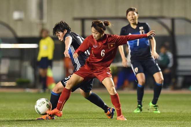Dù rất cố gắng, nhưng những phút cuối hiệp 2   tuyển nữ Việt Nam bị vỡ trận vì thua kém về thể lực. Chỉ hơn 10 phút   cuối trận, cầu thủ Nhật Bản ghi liên tiếp 4 bàn thắng vào lưới thủ môn   Kiểu Trinh.