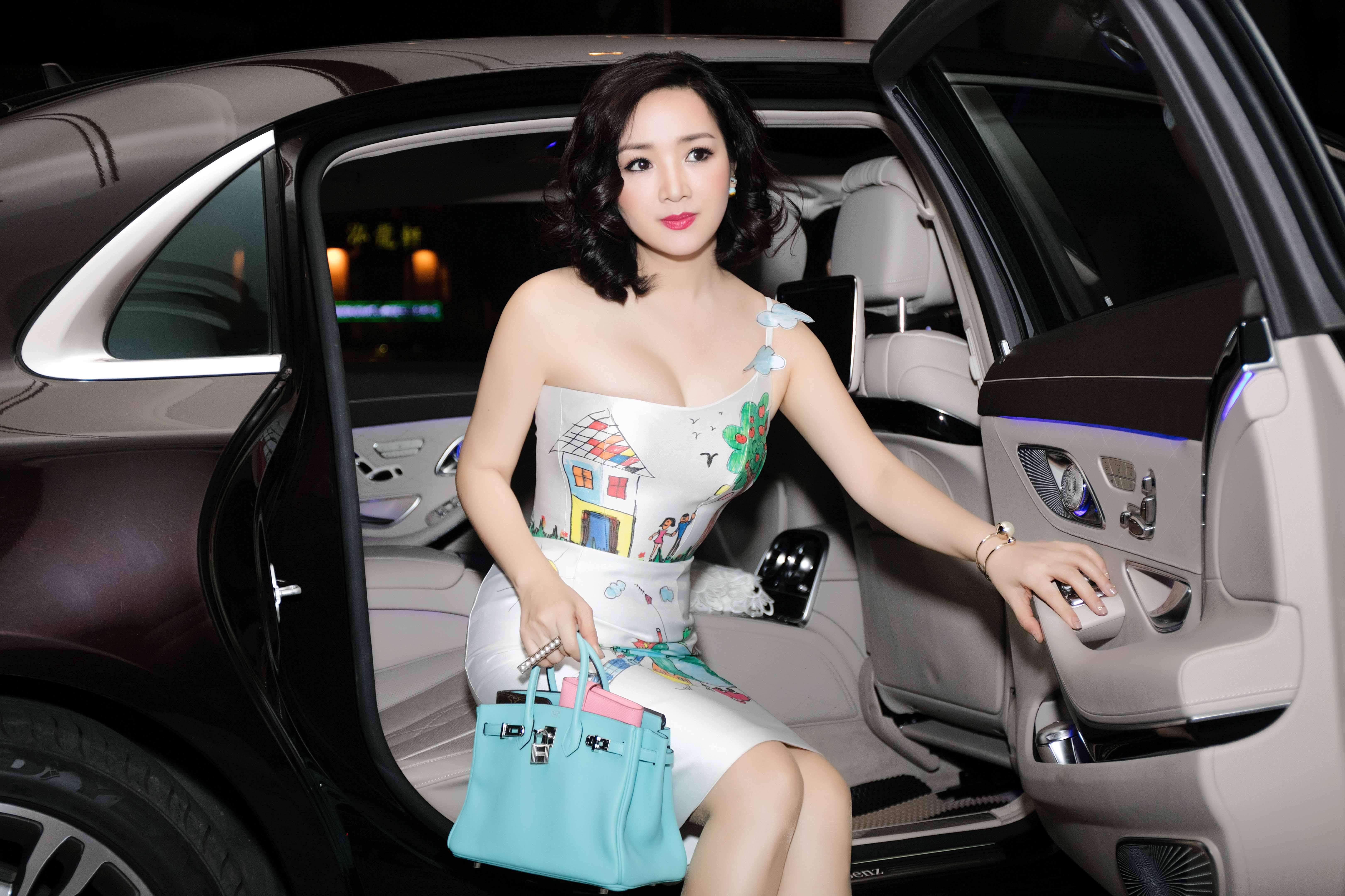 Hoa hậu đền Hùng 1989 được coi là một trong những nhan sắc đẹp bền bỉ nhất Việt Nam.