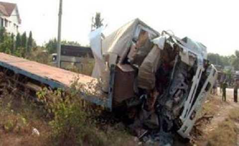Chiếc xe tải tai nạn tại hiện trường (Ảnh:TTO)