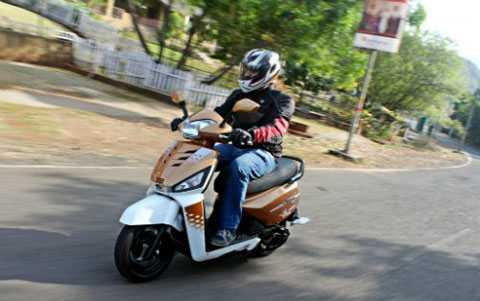Mahindra Gusto có giá bán tại Ấn Độ chỉ 51.560 Rp (khoảng 17 triệu đồng).