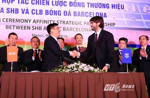 Barca, SHB ký thỏa thuận hợp tác chiến lược (Ảnh: Phạm Thành)