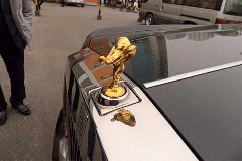 Rolls-Royce Phantom II vẫn giữ những nét cơ bản từ phiên bản đời đầu. (Ảnh: Dongbv)