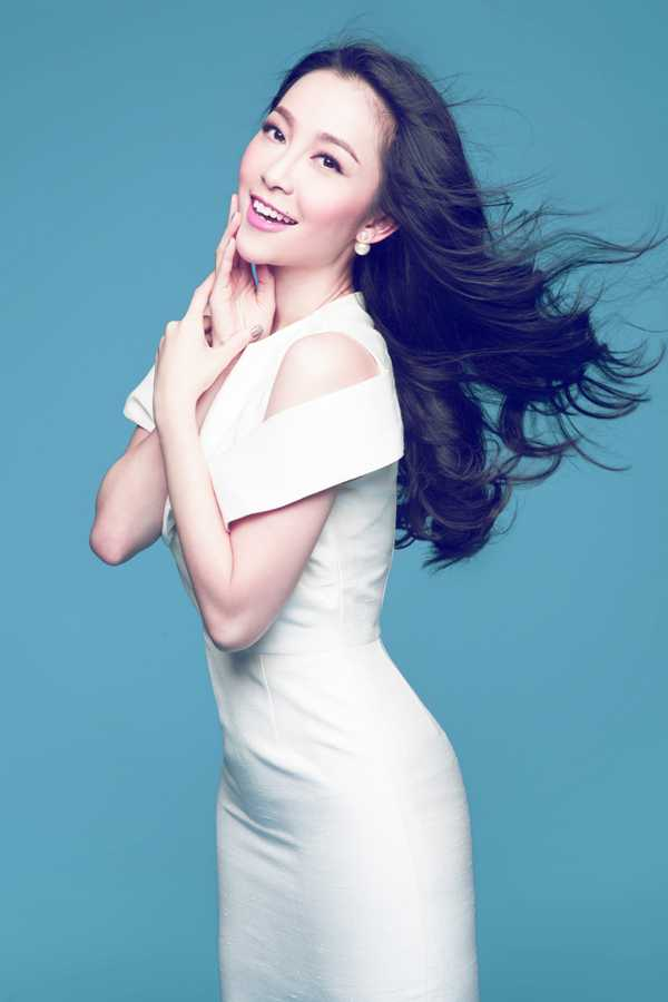 Linh Nga đang chờ đợi ngày được xuất hiện trên sân khấu trong vai trò một vedette trên sàn diễn thời trang