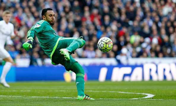 Navas chỉ còn thiếu 34 phút giữ sạch lưới nữa là vượt qua kỷ lục 687 phút trắng lưới ở Champions League của Van Der Sar