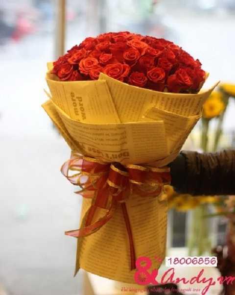 Đặt hoa trực tuyến – Chuyển hoa tận nhà để tạo bất ngờ cho người phụ nữ thân yêu bên bạn