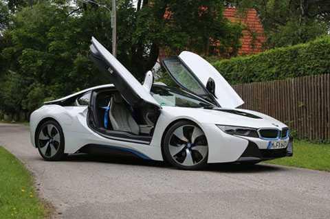 2. BMW i8.