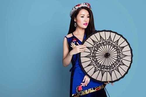 Chuyện tình đẹp như mơ của hot girl Nhã Phương và danh hài Trường Giang bị phơi bày ra trước công chúng. Hình ảnh của hai người cũng phần nào