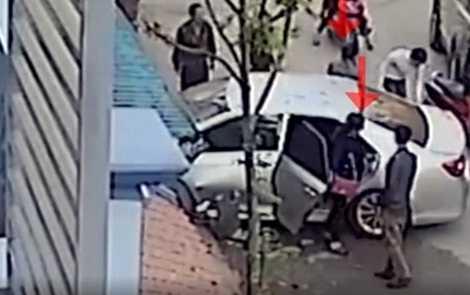 Hình ảnh hiện trường vụ tai nạn được cắt từ clip.